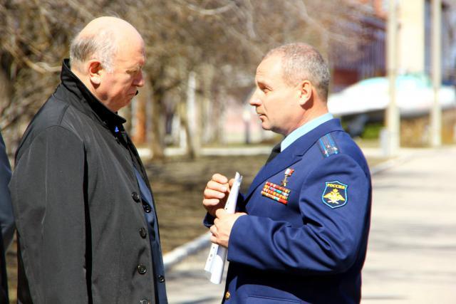 Губернатор Самарской области встретился с Героем России